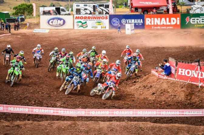 Disputas, quedas e punições marcam a 6ª etapa do Brasileiro de Motocross em Goiás