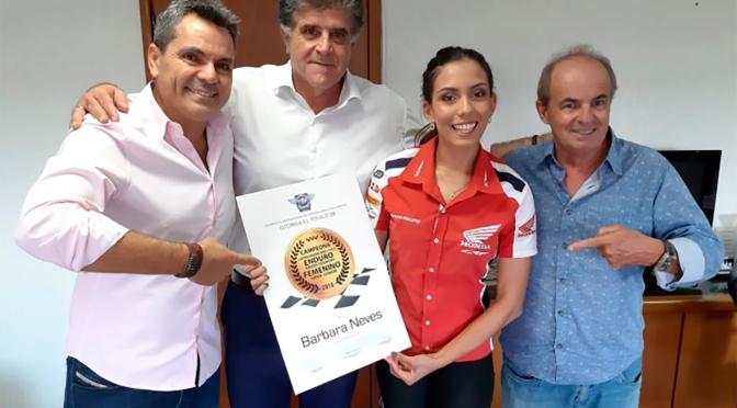 Piloto brasileira recebe título latino-americano de Enduro FIM