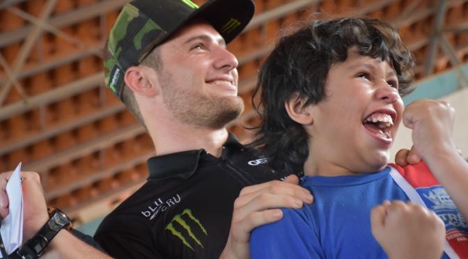 Crianças se emocionam em ação social da CBM realizada em Três Lagoas (MS)