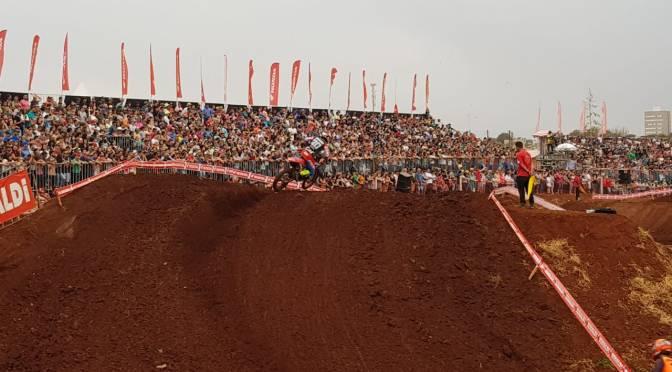Etapa do Brasileiro de Motocross em Faxinal(PR) tem público de 20 mil pessoas e boas disputas